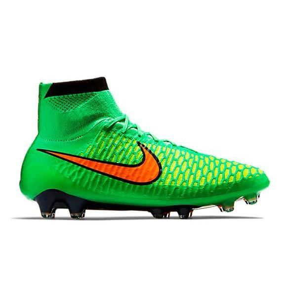 chaussures de foot nike montante